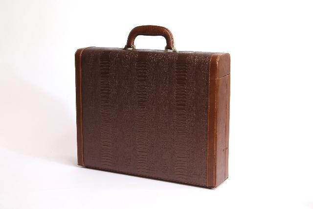 850922bacacca 結婚式の男性のバッグは  マナーはどうなってる