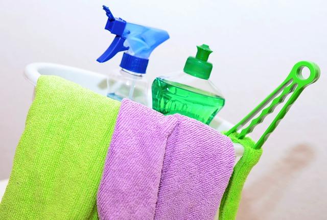 洗剤と雑巾